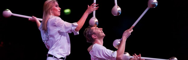 Duo jugglers — 0328